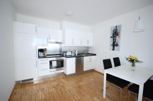 Una cocina o kitchenette en Berlin Habitat