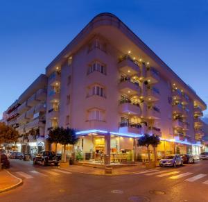 Aparthotel Duquesa Playa Santa Eulària des Riu