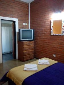 Una televisión o centro de entretenimiento en El Chinchero