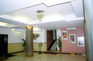 Hotel Fame City