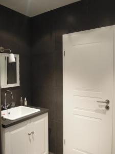 Um banheiro em The Guest House II