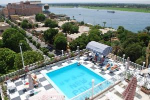 New Pola Hotel Louxor