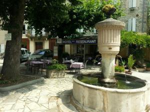 Hotel Restaurant Bourgade Saint-André de Valborgne