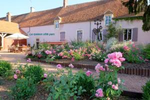 Hotel Pictures: La Chaume des Buis, Saint-Amand-Montrond