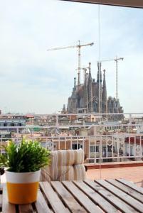 Bird House Sagrada Familia Barcelone