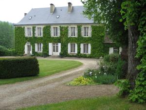 Maison d'hôtes Manoir Le Bourdil Blanc Saint-Sauveur