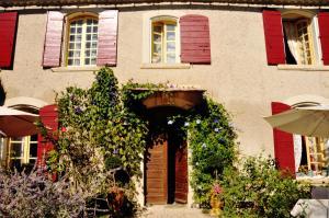 Chambres d'hotes  Le Presbytere en Provence Saint-Etienne du Grès