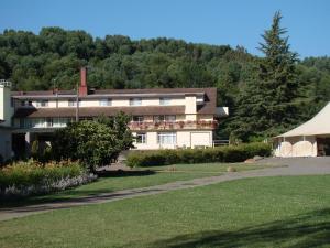 Villa Baviera, Hotel Baviera Chile