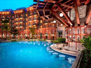 Resorts World Sentosa - Hard Rock Hotel - Image4