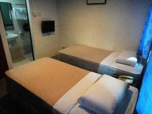 Amrise Hotel - Image2