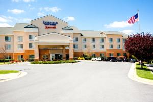 Fairfield Inn and Suites by Marriott Winchester