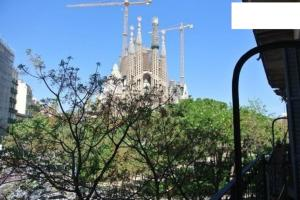 Center of BCN! Sagrada Familia View Barcelone