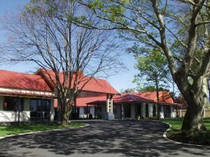 Oak Estate Motor Lodge - Image1