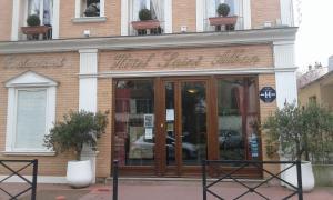 Hotel Saint Alban La Varenne Saint-Hilaire