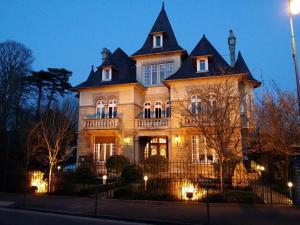 Casas rurales  Le Castel Guesthouse Bayeux