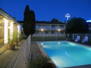 Hotel Kyriad Saintes Saintes