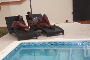 A piscina localizada em Valley Breeze Guest House ou nos arredores