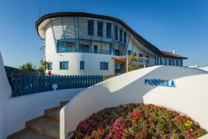 Peninsula Resort - Image1