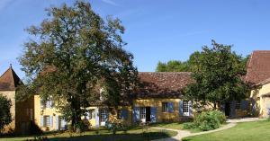 Les Hautes Claires - Chambres d'hôtes et Centre d'Art Contemporain Mauzac et Grand-Castang