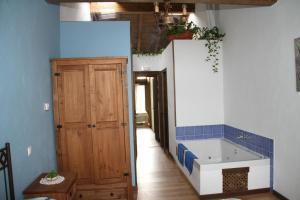 Hotel Pictures: , Arroyo de las Fraguas
