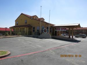 Taylor Village Inn