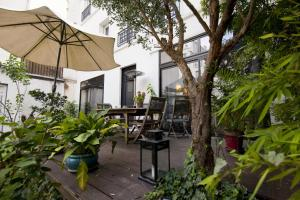 Luxurious Hidden House near Montmartre Paris