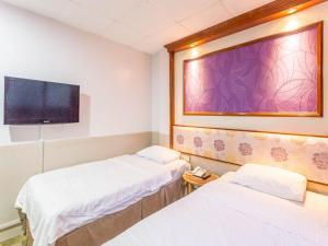 Hotel 165 - Image2