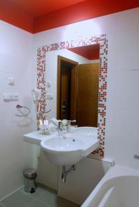 Hotel Villa Romantica - Image4