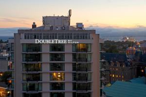 DoubleTree by Hilton Hotel & Suites Victoria Victoria