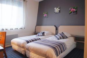 Hotel Pictures: Hotel Restaurant l'Amandois, Saint-Amand-Montrond