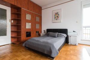 Cama ou camas em um quarto em Y Generation Downtown