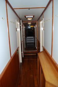 Hotelboot Zwaan