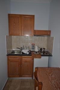 Una cocina o kitchenette en Irene Apartments