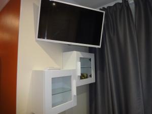 TV/trung tâm giải trí tại Dylan Apartments Kensington
