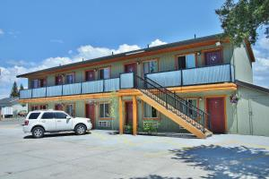 Moose Creek Inn West Yellowstone