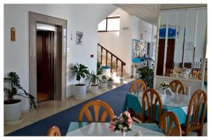 Room photo 10 from hotel Oceanis Hotel Karpathos