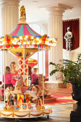 Hotel vienna house dream castle magny le hongre france for Chambre castle club disneyland hotel