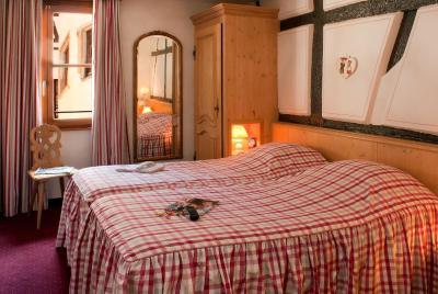 top deals hotel saint martin colmar france. Black Bedroom Furniture Sets. Home Design Ideas