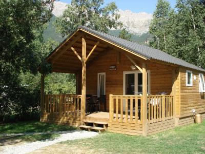 chalet en bois makro dikke houten balken. Black Bedroom Furniture Sets. Home Design Ideas