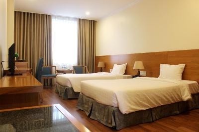 HS-Peace Hotel