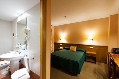 Sommos hotel benasque spa espa a benasque for Booking benasque