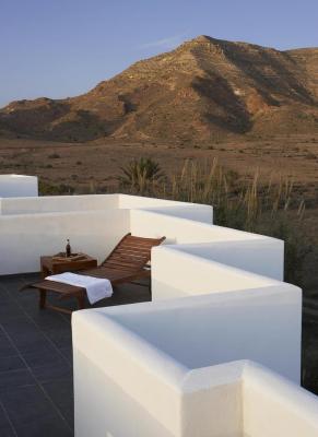 Hotel los patios parque natural rodalquilar spain - Patios con encanto ...