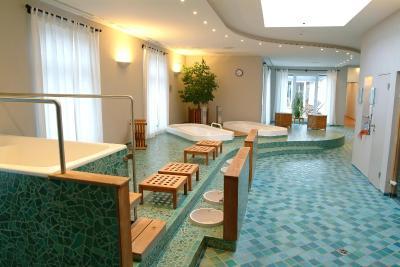 hotel deutscher hof deutschland trier. Black Bedroom Furniture Sets. Home Design Ideas