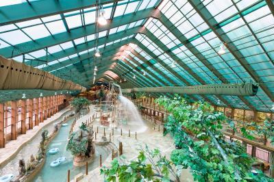Resort westgate smoky mountain gatlinburg tn for About you salon gatlinburg tn