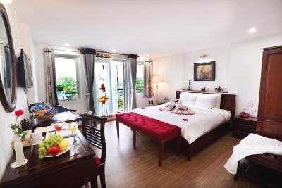 Khách sạn Charming 2