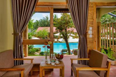 Azura Resort