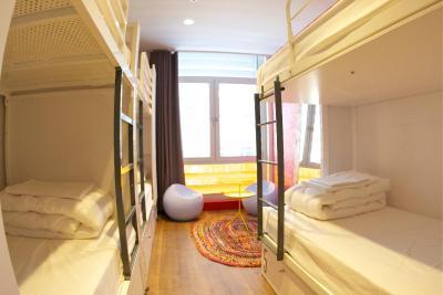 hostel generator barcelona spain. Black Bedroom Furniture Sets. Home Design Ideas