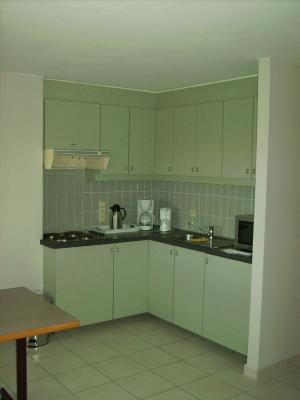 Appartement driemaster westende belgi - Personeel inrichting slaapkamer ...