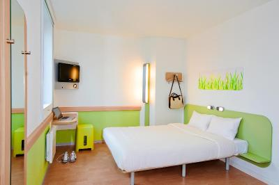 H tel ibis budget orly chevilly tram 7 for Reservation hotel formule 1 paris