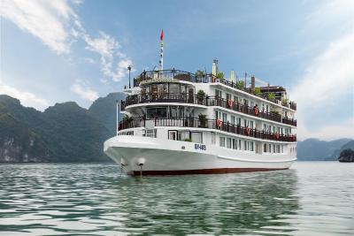 La Vela Classic Cruise - Managed by Paradise Cruises